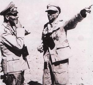 EL ALAMIEN - Rommel berbicang dengan komandan pasukan payung. General major Rameke, musim panas 1942