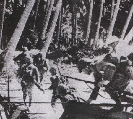 HINDIA BELANDA - Ribuan prajurit Jepang melompat dari kapal-kapal pendarat dan kemudian bergerak maju untuk menguasai ladang minyak di Balikpapan. Sementara itu setelah menguasai Hindia Belanda, seperti Pulau Jawa yang subur