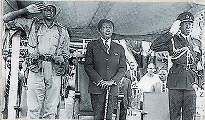 KUDETA IDIAMIN- Mula-mula semasa masih di militer, Idi Amin  merupakan pengawal setia Obote. Tapi begitu mendapat kesempatan, Amin  lalu melancarkan kudeta berdarah yang memakan korban puluhan ribu nyawa.  Kekuasaan otoriterAmin akhirnya tumbang dan ia memilih lari ke Arab  Saudi
